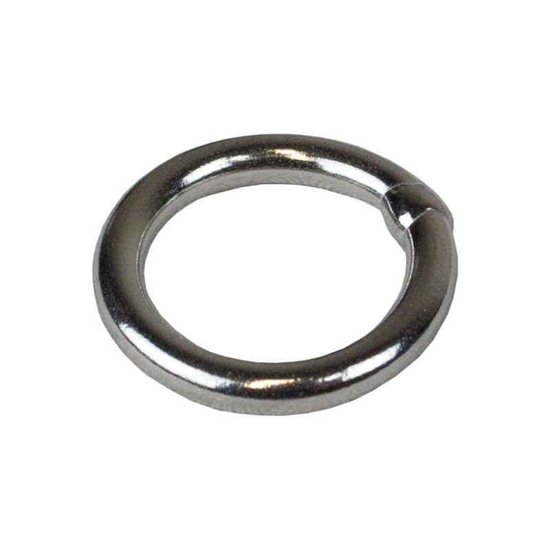 Satinless steel ring